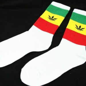 Chaussettes Rasta Longues Blanches Feuille Cannabis