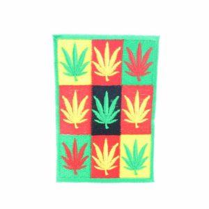 Ecusson Feuilles Cannabis Carrés Vert Jaune Rouge